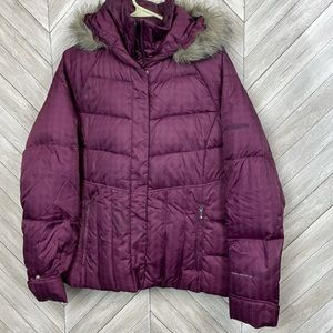 Women's Columbia Puffer Coat L detachable hood